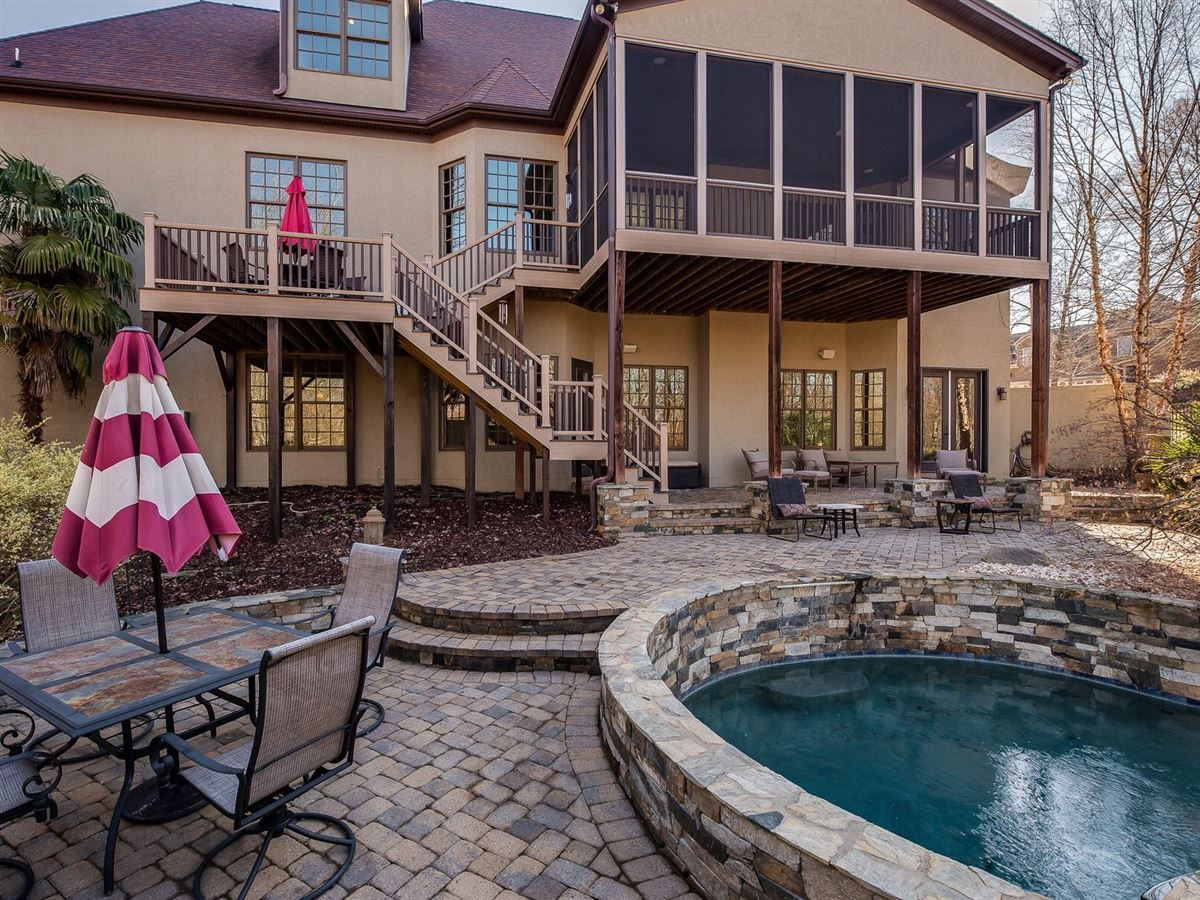 Lake Wylie Oasis luxury homes