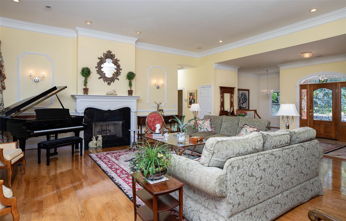 Paradise awaits luxury real estate