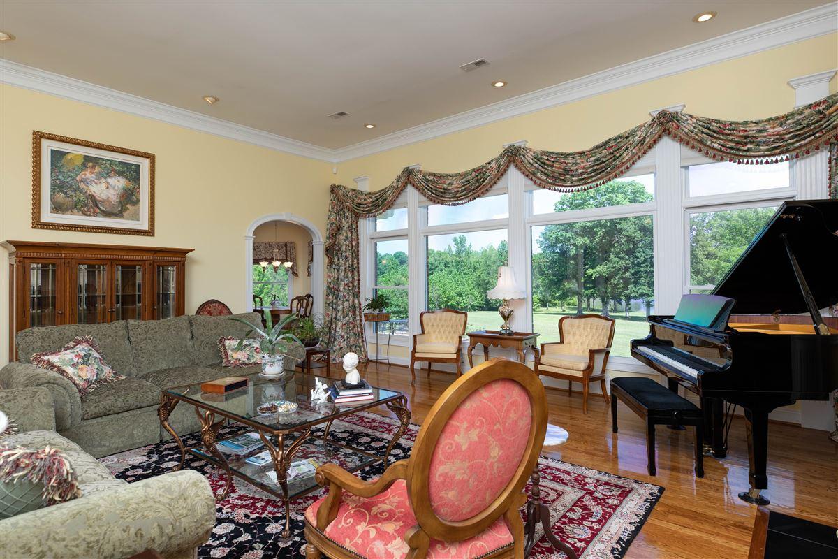 Luxury properties Paradise awaits