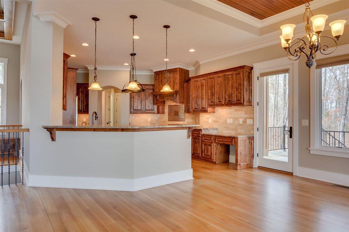 luxury and comfort  luxury properties