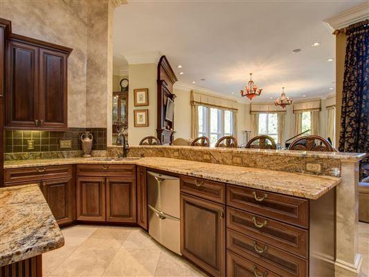 Luxury homes in Custom estate on 22 acres