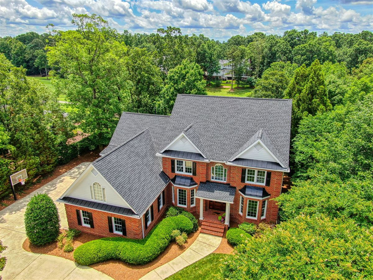 Mansions a Stunning All Brick home