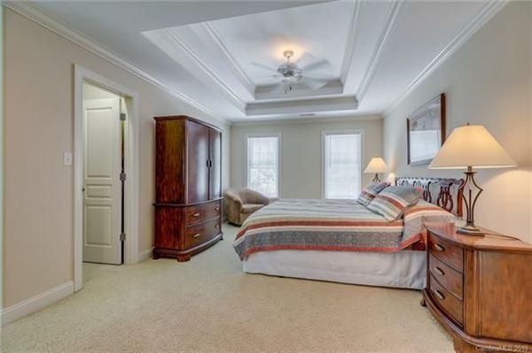 Luxury homes in private lakefront getaway
