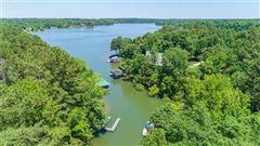 private lakefront getaway luxury properties