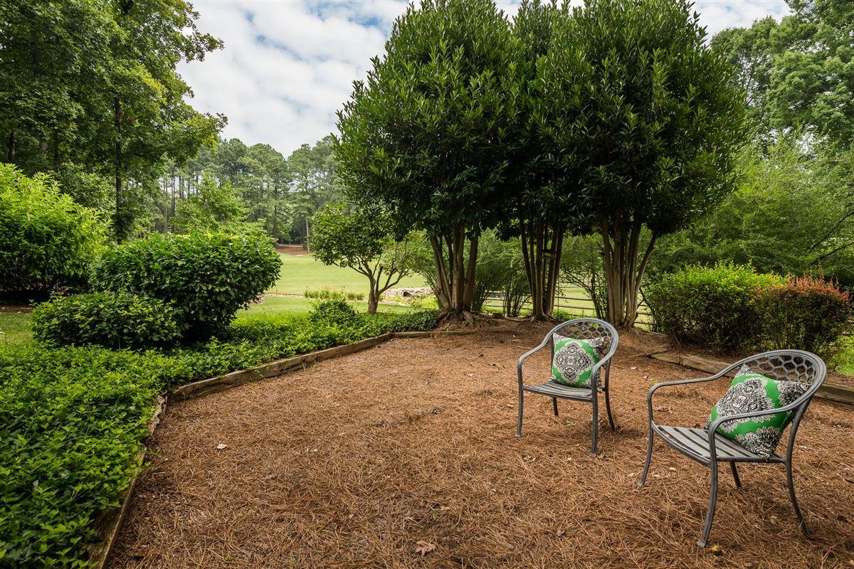 Luxury properties gracious elegance on the Peninsula Golf Course