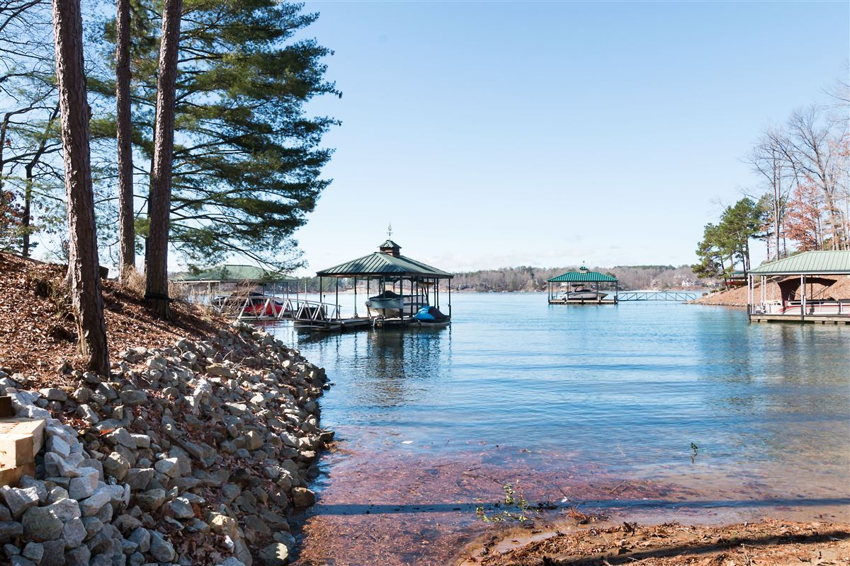 standout home on Lake Keowee mansions