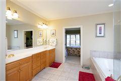 Luxury homes Elegant custom home located on the 7th fairway