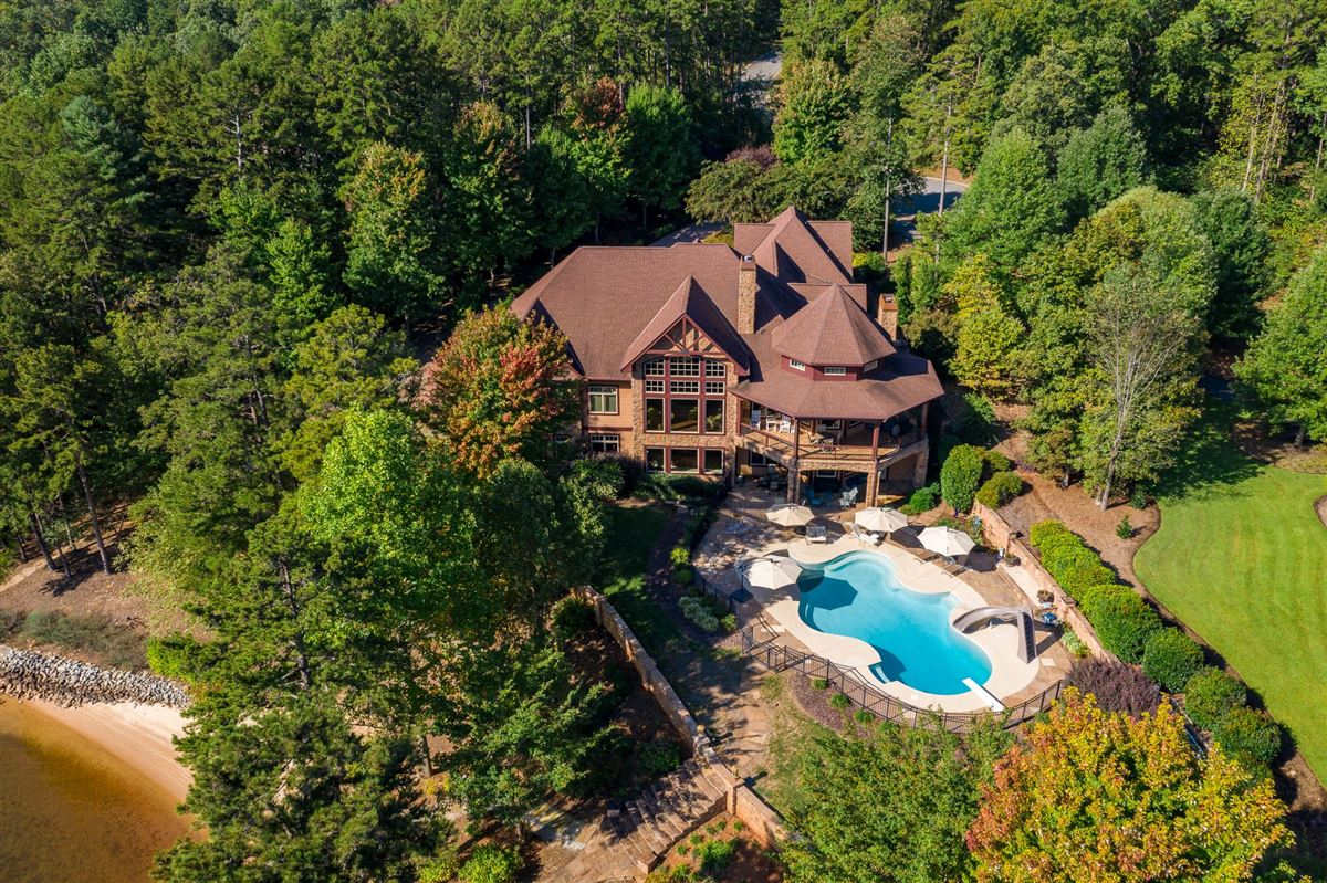 A Masterpiece on Lake Keowee luxury homes