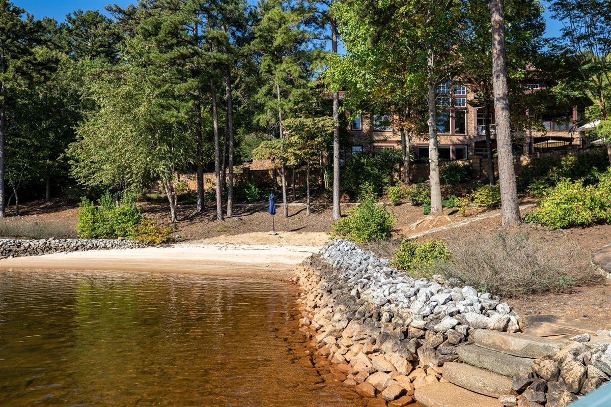Luxury properties A Masterpiece on Lake Keowee