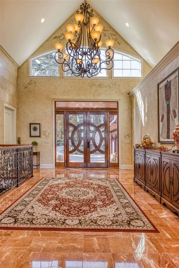 A Masterpiece on Lake Keowee luxury properties