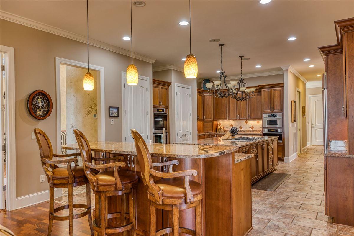 Luxury homes A Masterpiece on Lake Keowee