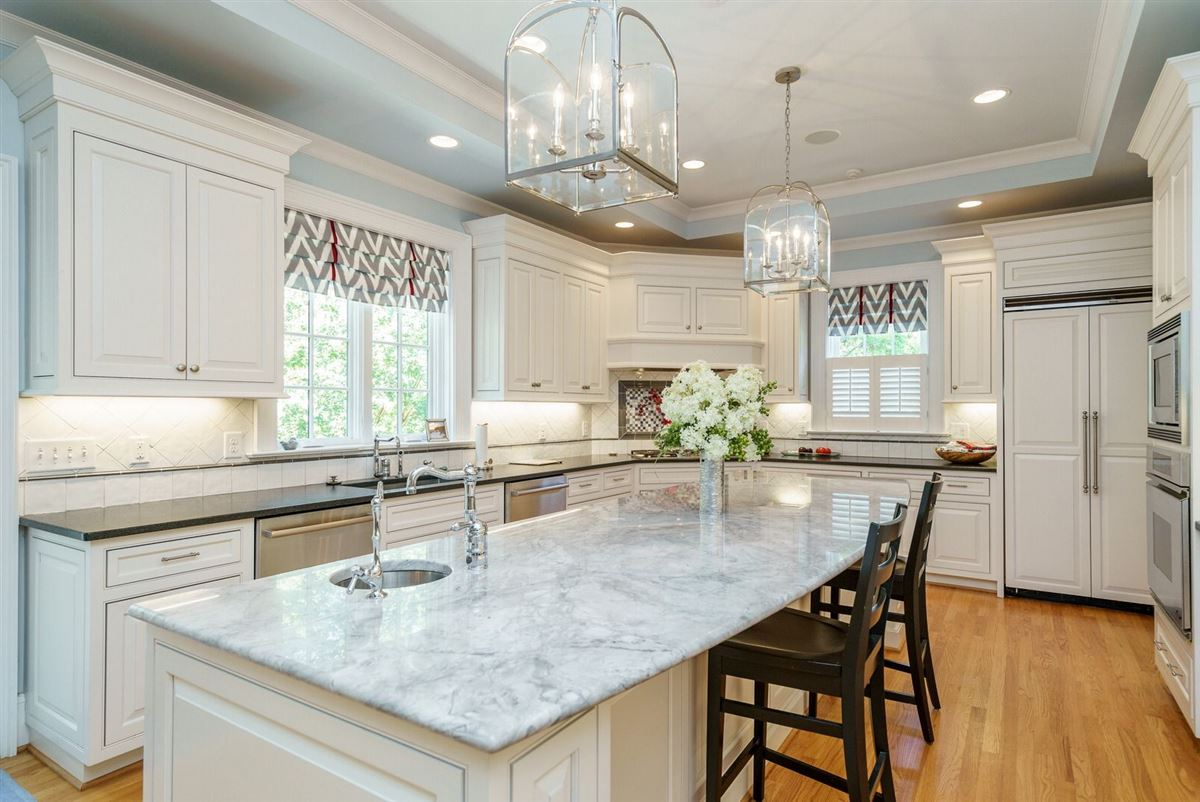 Luxury real estate QUALITY and UNDERSTATED ELEGANCE