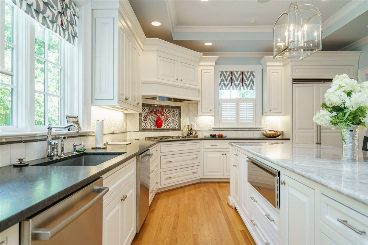 Luxury properties QUALITY and UNDERSTATED ELEGANCE