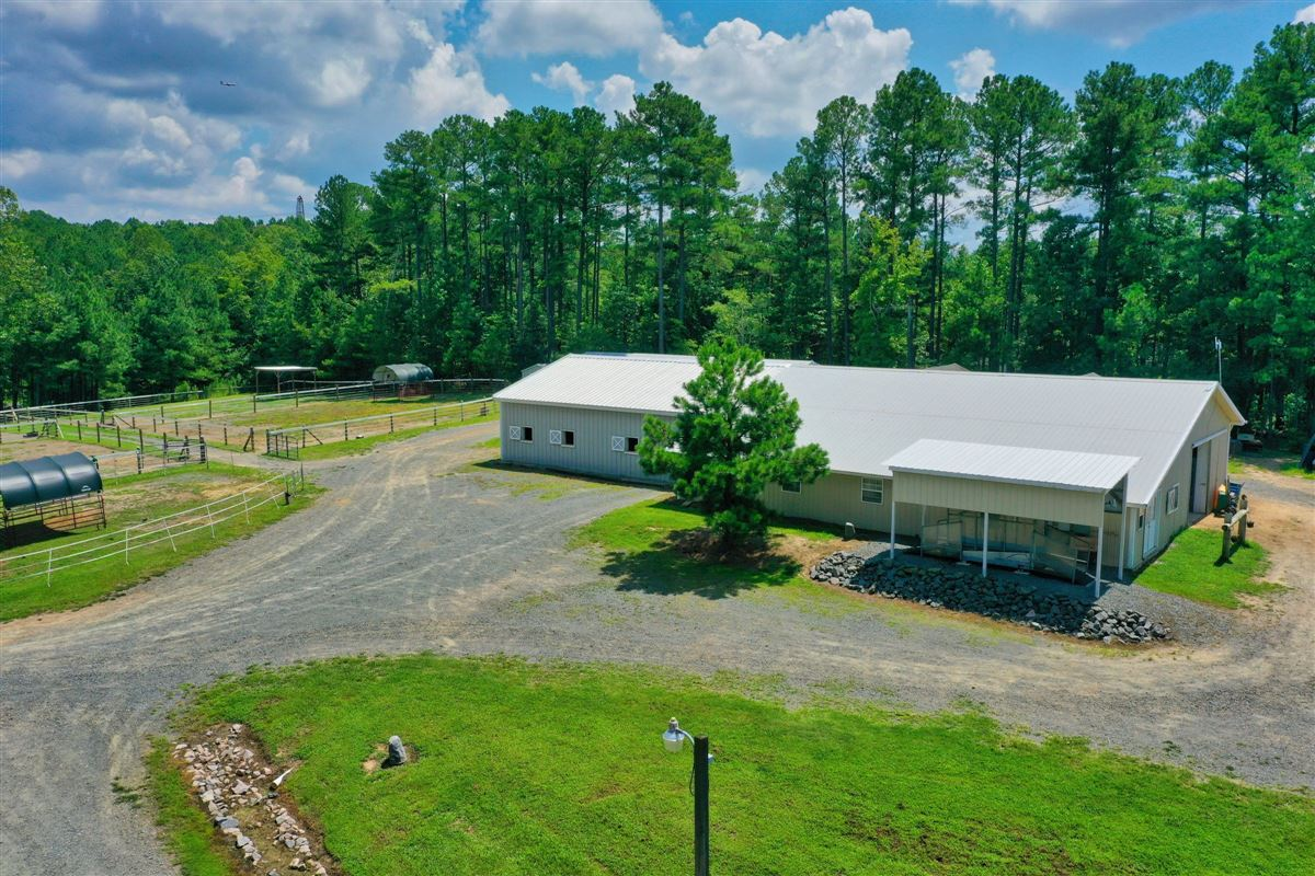 Edelweiss Farm - private residence and world-class equestrian facility luxury homes