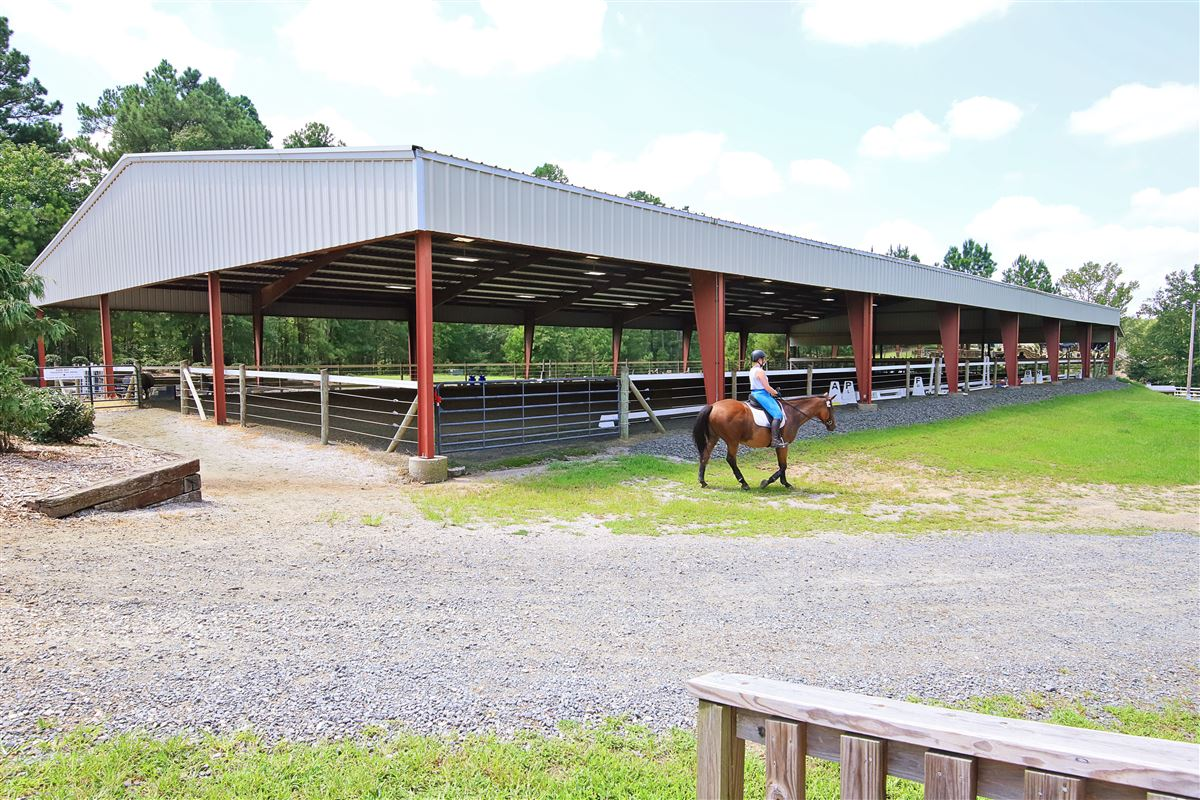 Edelweiss Farm - private residence and world-class equestrian facility mansions