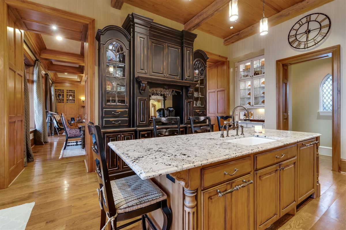 Mansions Grandeur and Charm on Lake Norman