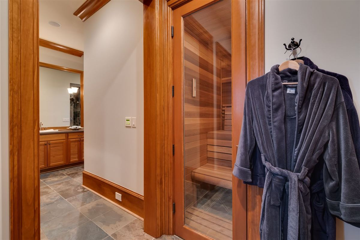 Luxury real estate Grandeur and Charm on Lake Norman