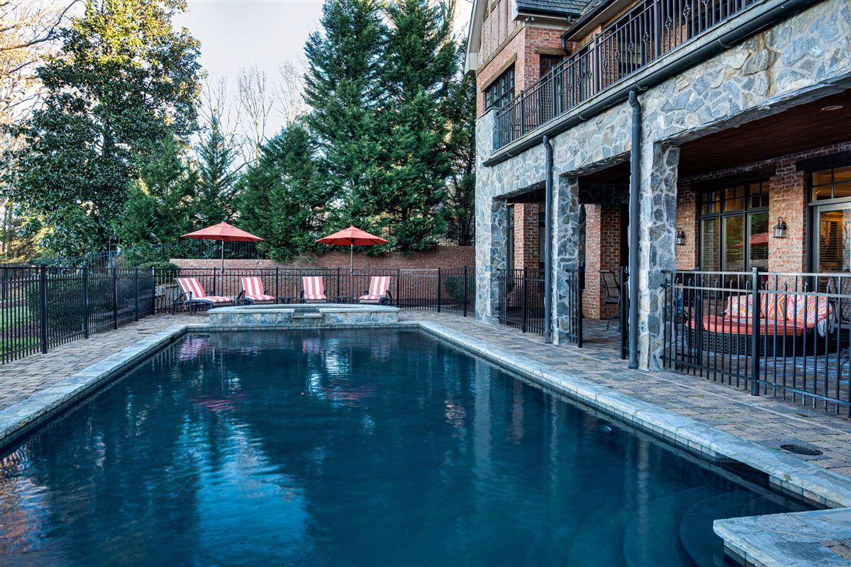 Luxury properties Grandeur and Charm on Lake Norman