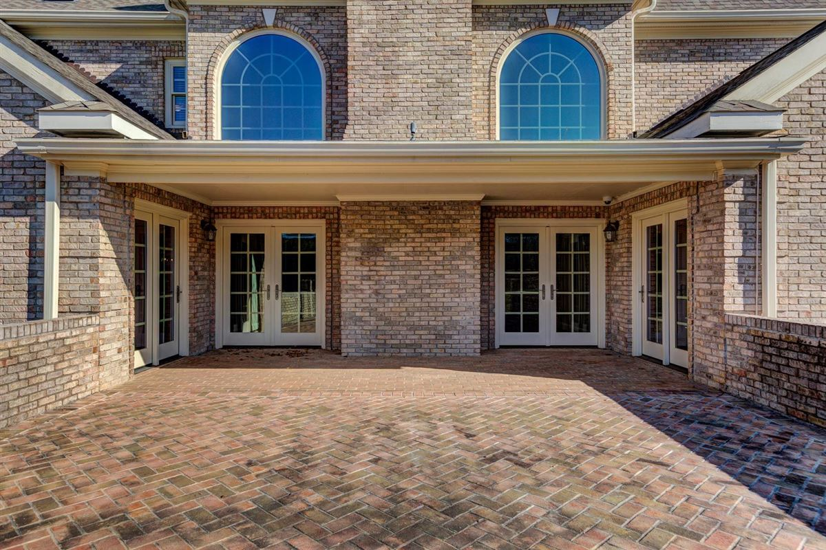 Luxury homes luxury abounds in this recently renovated home