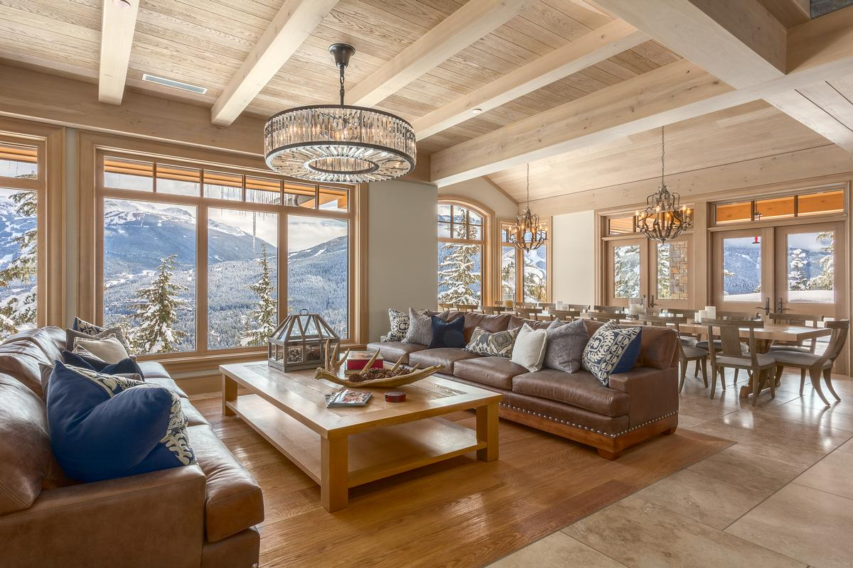 Luxury homes Mountain Oasis in Whistler