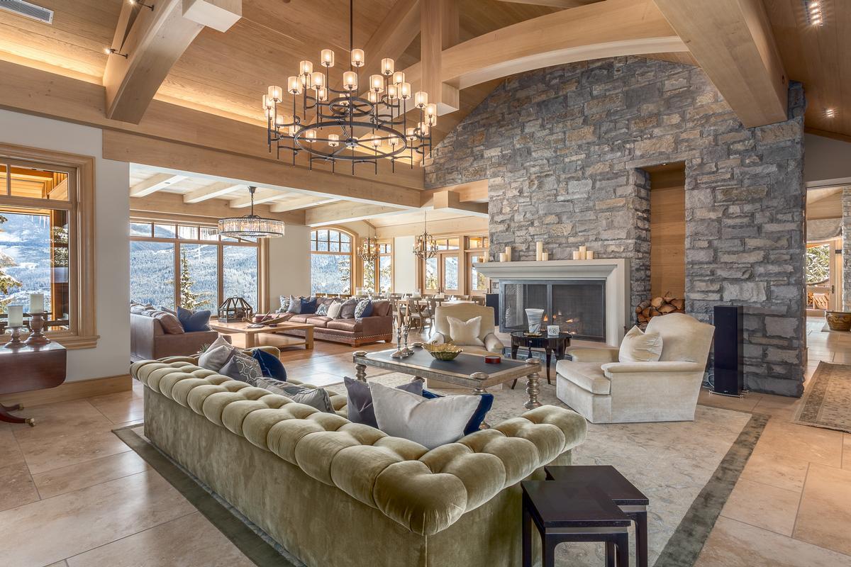 Luxury real estate Mountain Oasis in Whistler