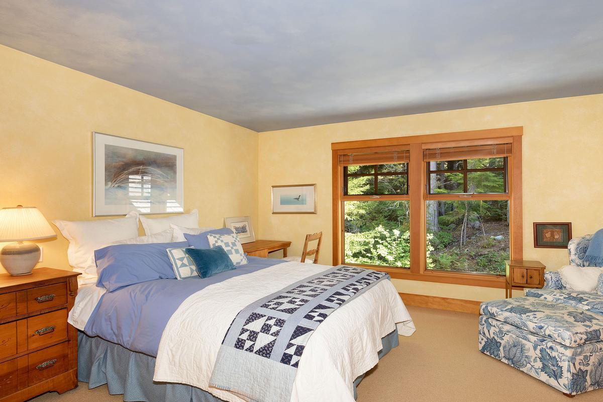 Mansions in Golf-side Whistler Living