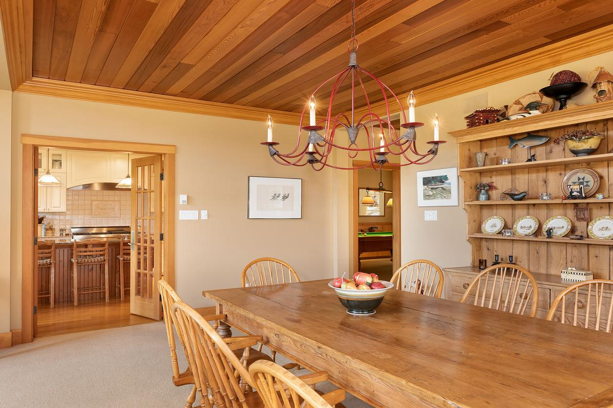 Luxury real estate Golf-side Whistler Living