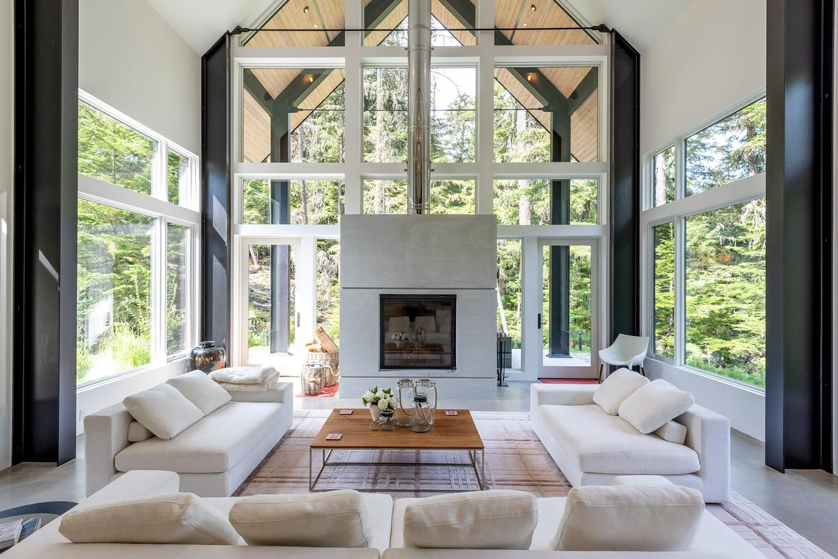 Luxury homes 9008 Skiers Rest Lane