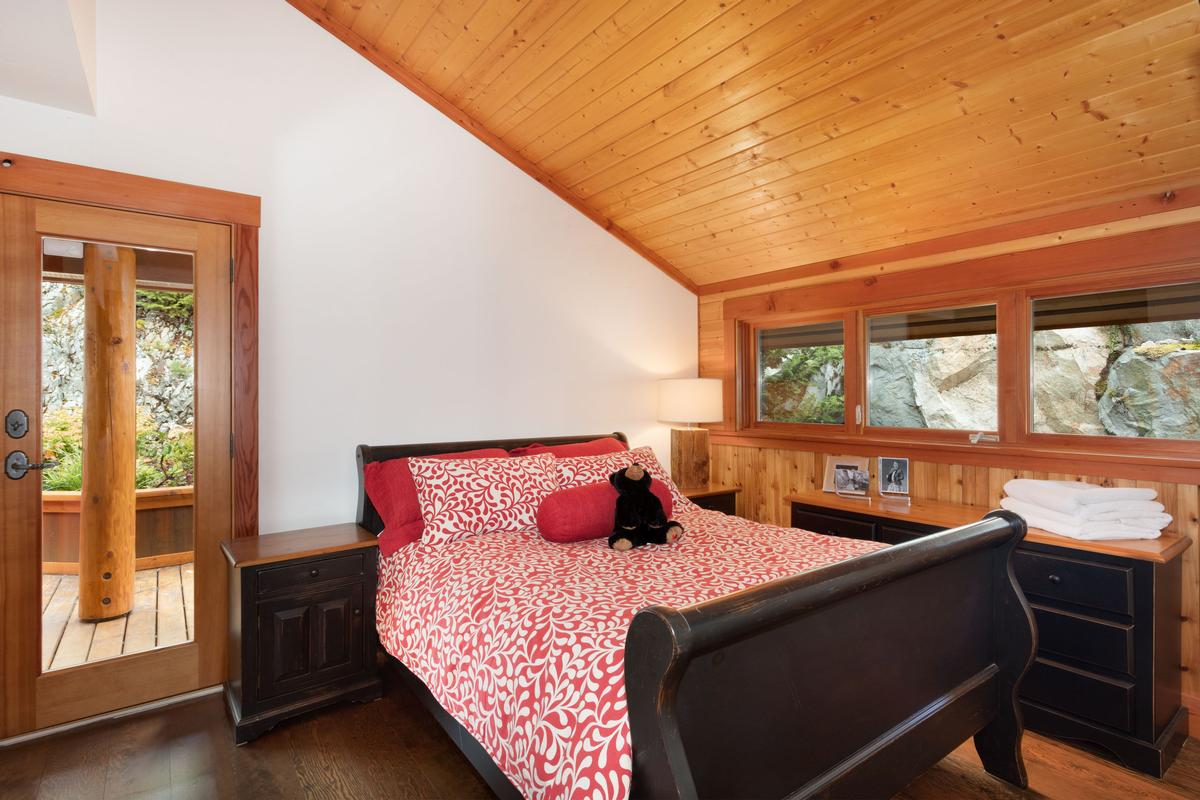 Mansions Magnificent Post and Beam Chalet