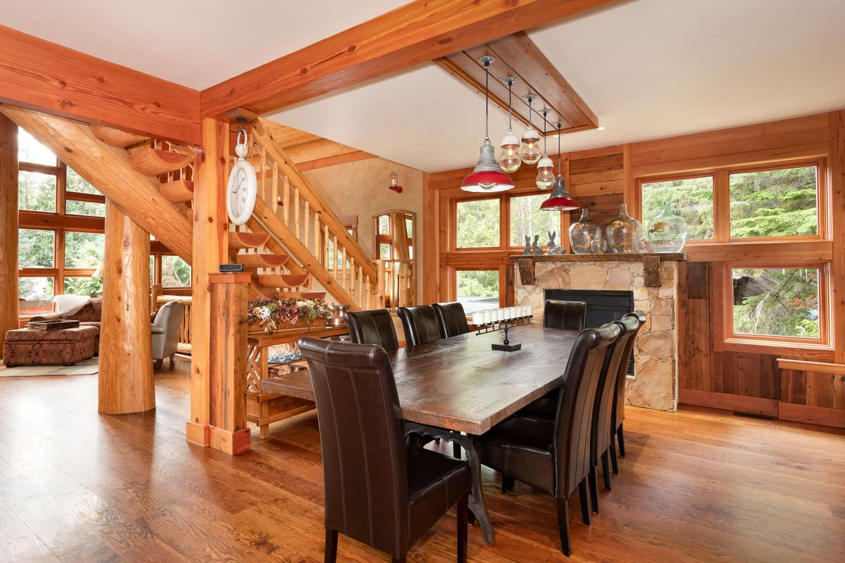 Magnificent Post and Beam Chalet luxury homes
