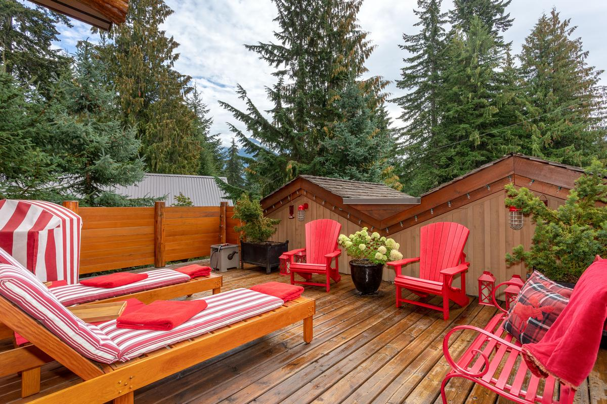 Luxury real estate Magnificent Post and Beam Chalet