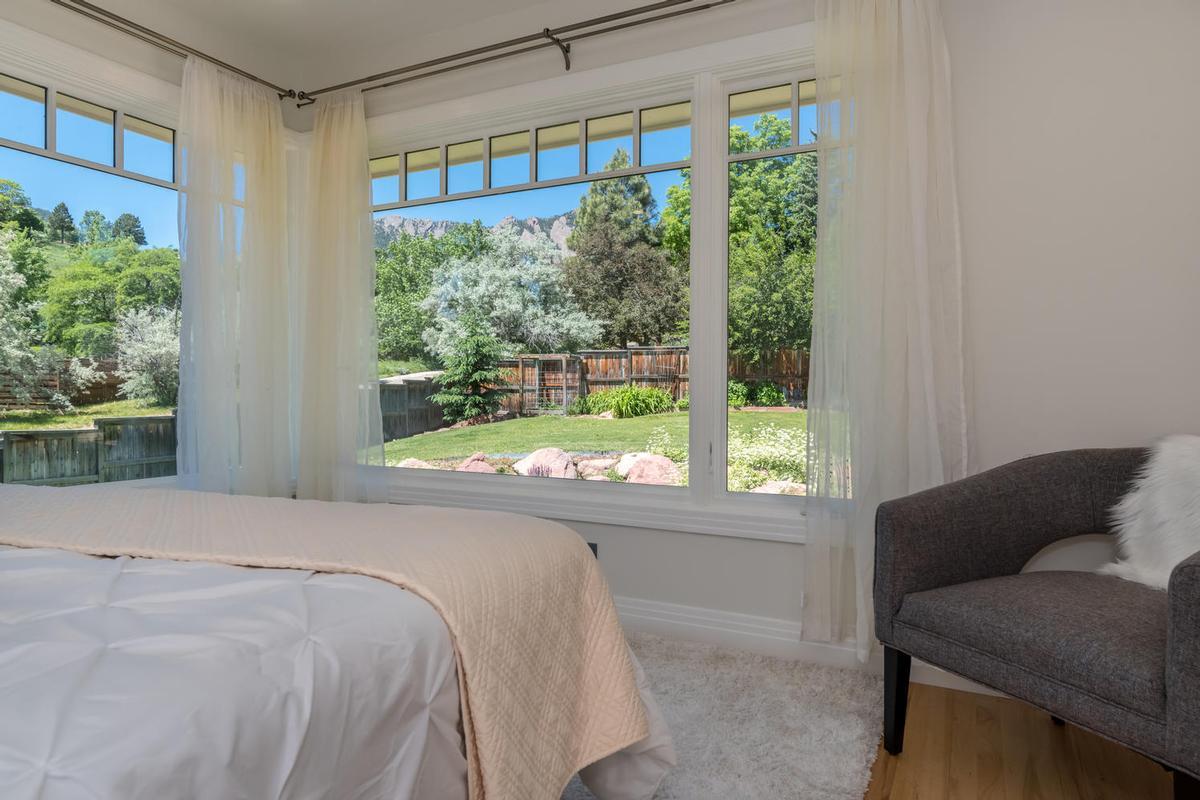 Luxury homes in Elegant Open Boulder Sanctuary