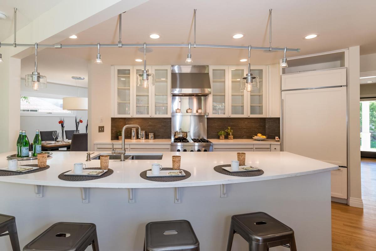 Luxury homes Elegant Open Boulder Sanctuary