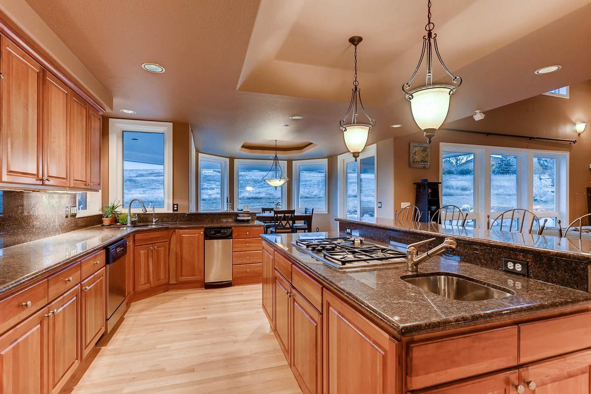 Elegant Custom Home in niwot luxury properties