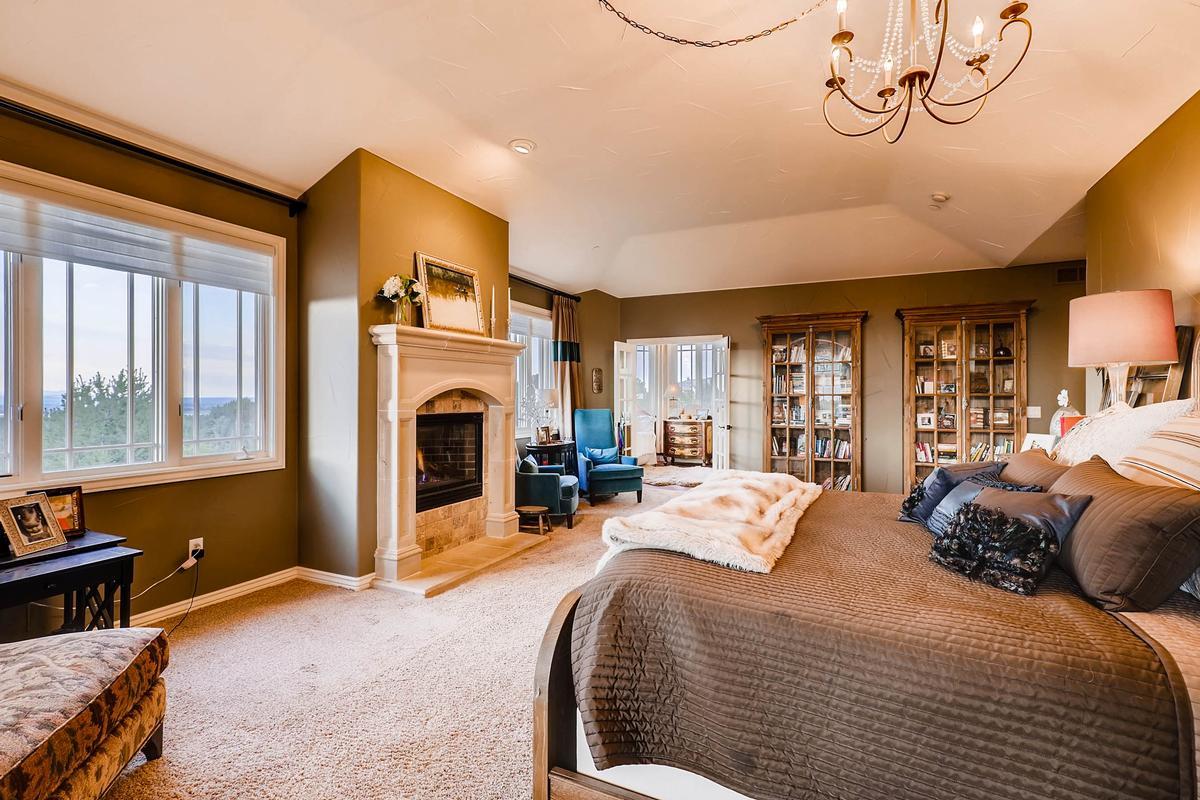 Luxury homes in Palatial Somerset Estate