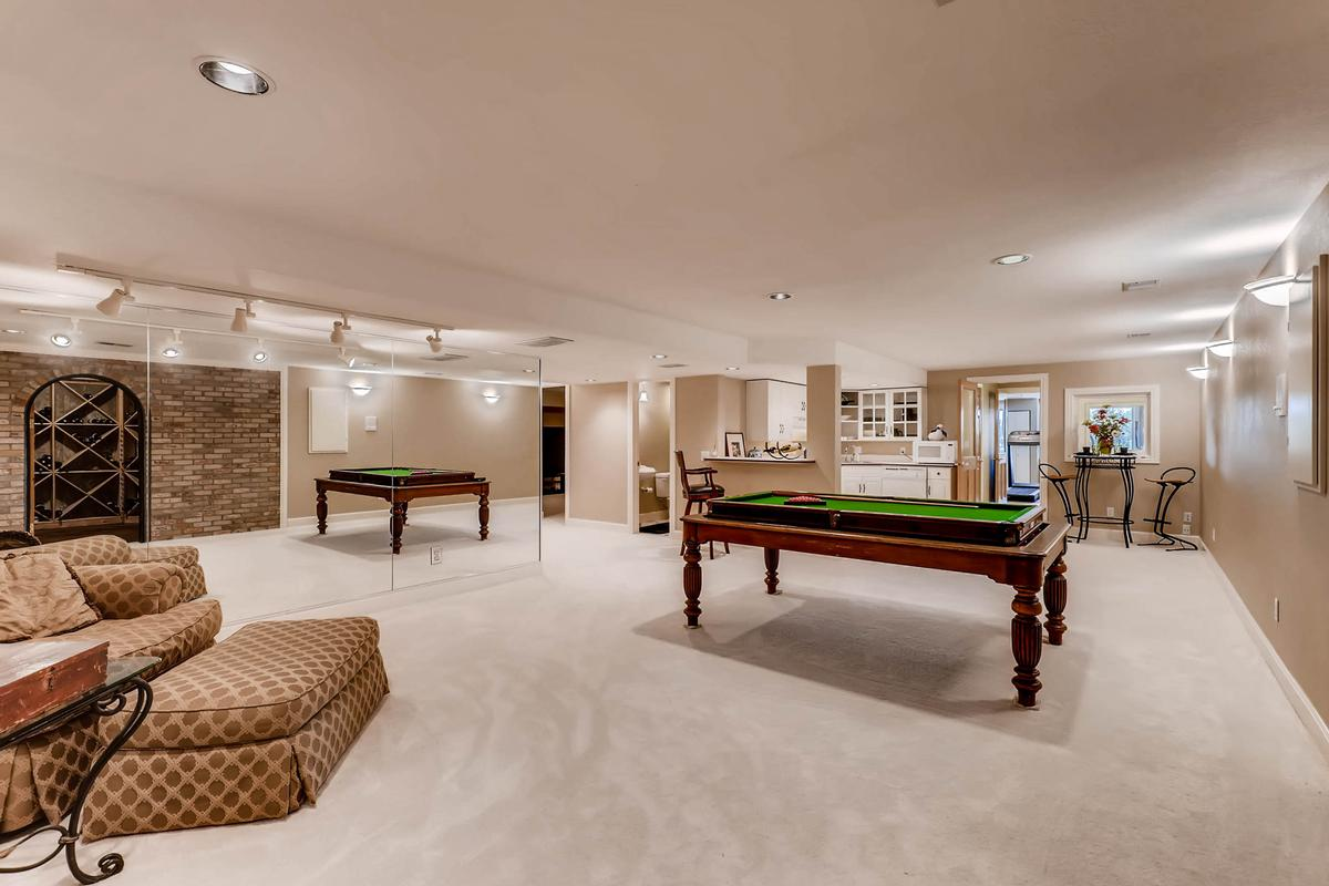 Luxury real estate Sweeping Spicers Heights Estate