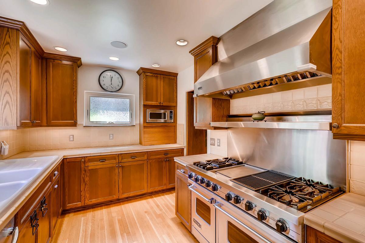UNIVERSITY HILL Cottage luxury properties