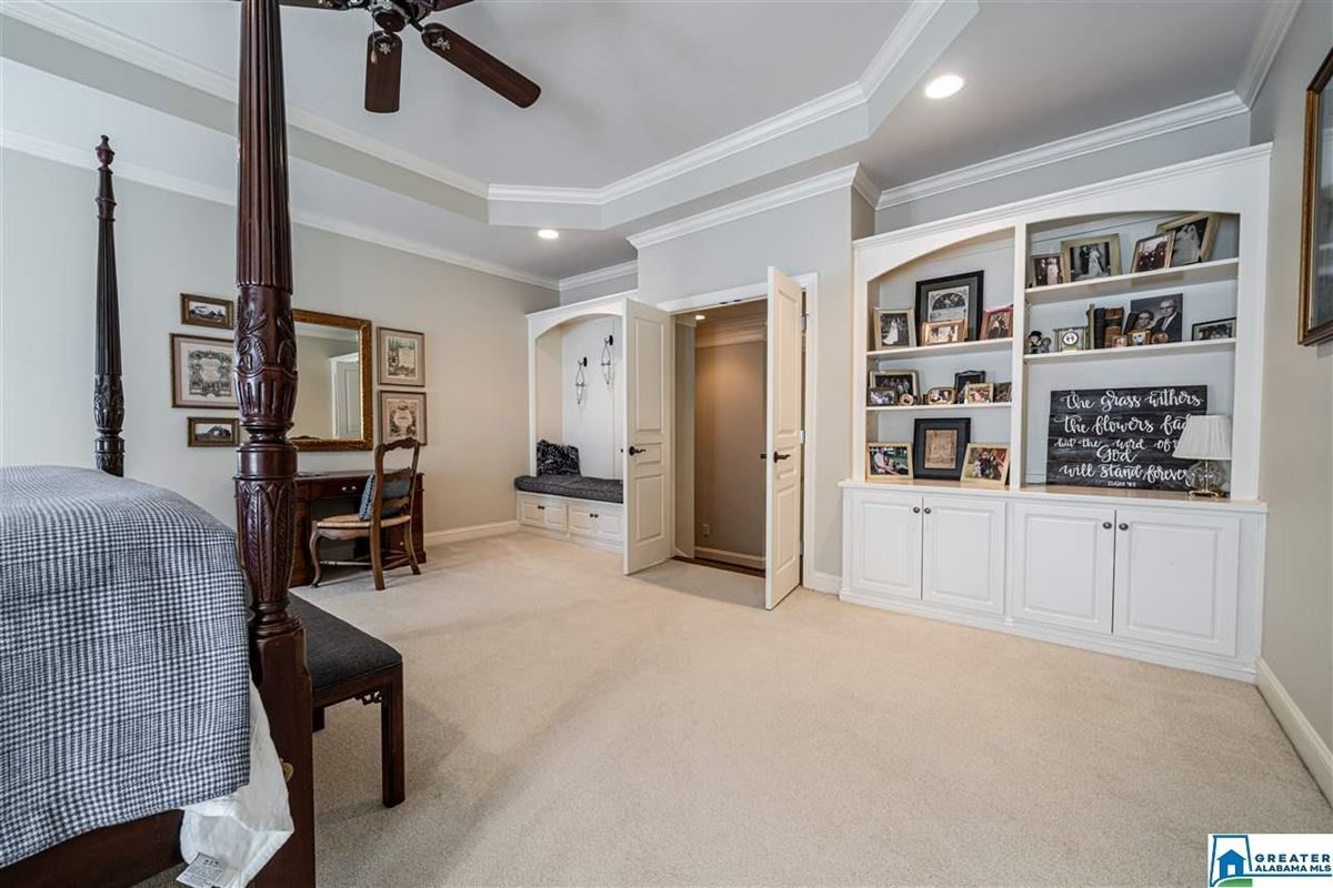 Mansions in Welcome home to Shoal Creek