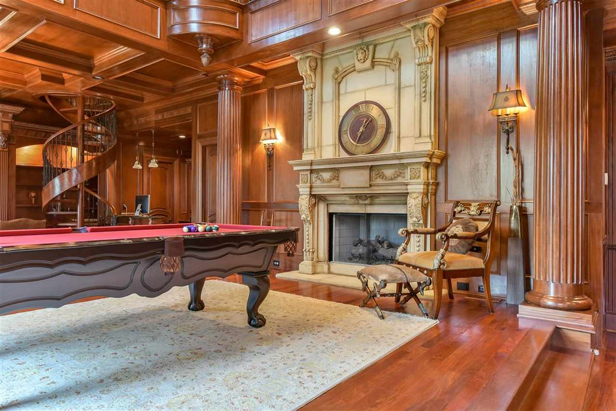 spectacular mansion on picturesque grounds luxury properties