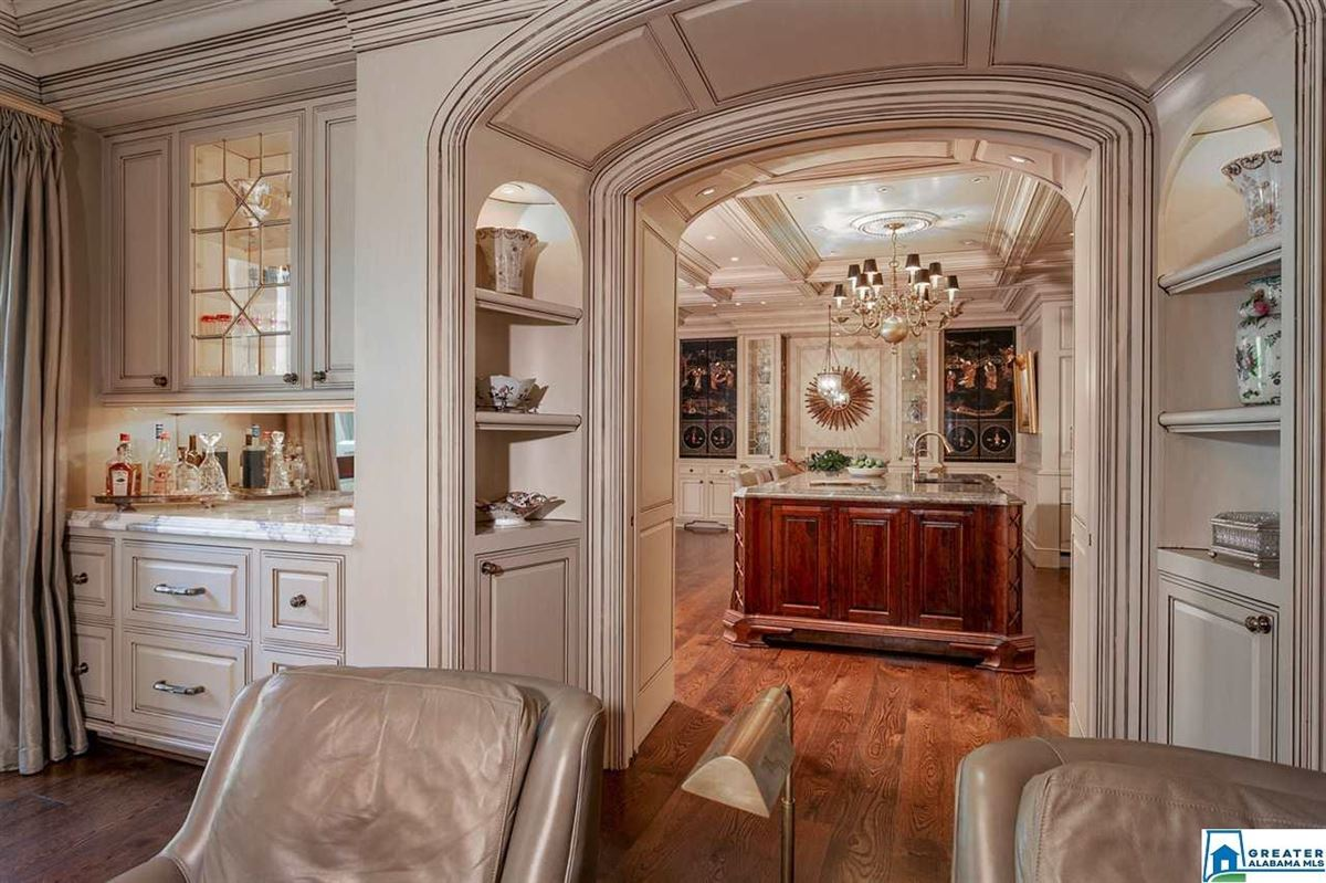 Gorgeous estate home in Abingdon  mansions
