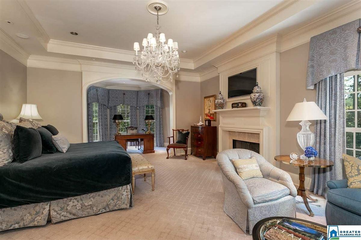 Gorgeous estate home in Abingdon  luxury real estate