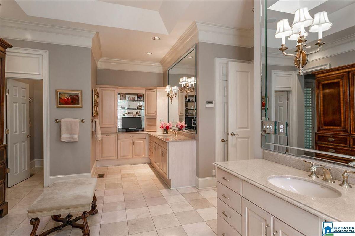 Gorgeous estate home in Abingdon  luxury properties