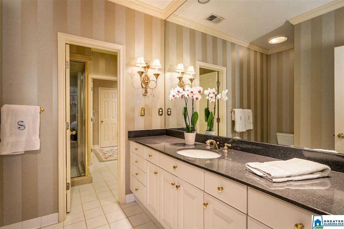 Luxury properties Gorgeous estate home in Abingdon