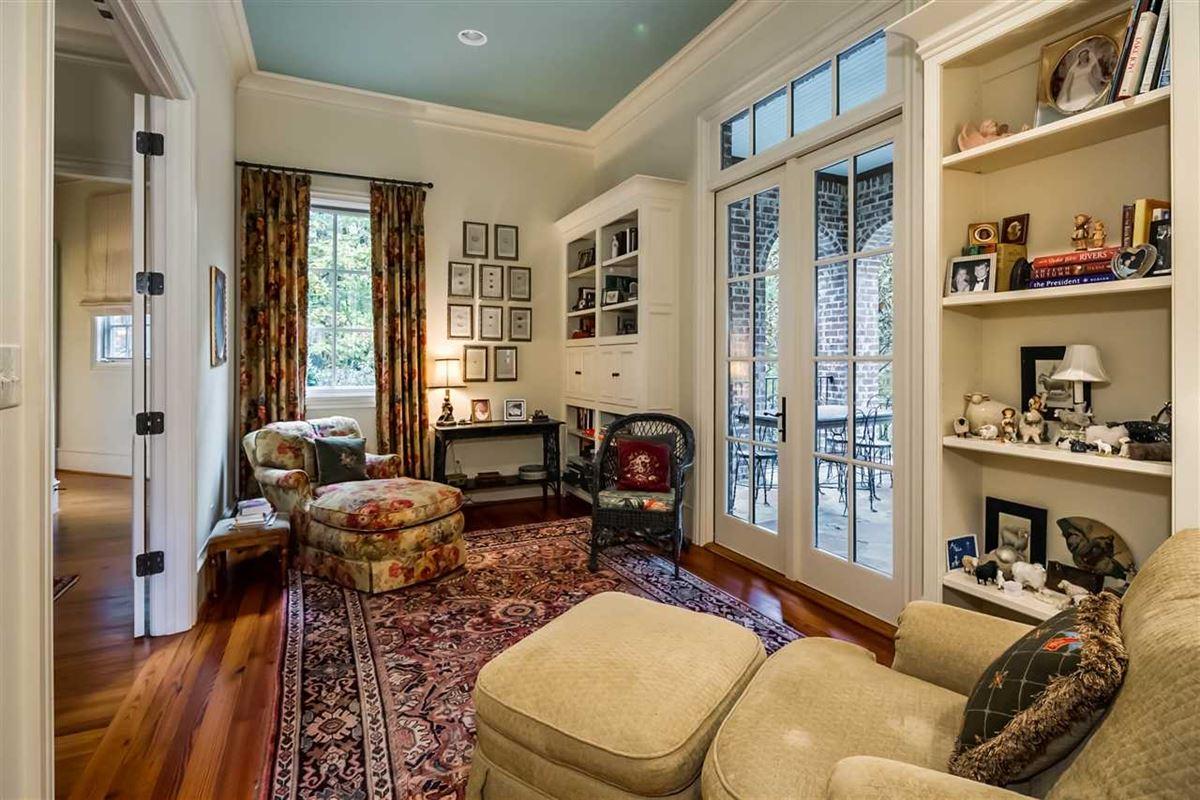 impressive home in BIRMINGHAM luxury properties