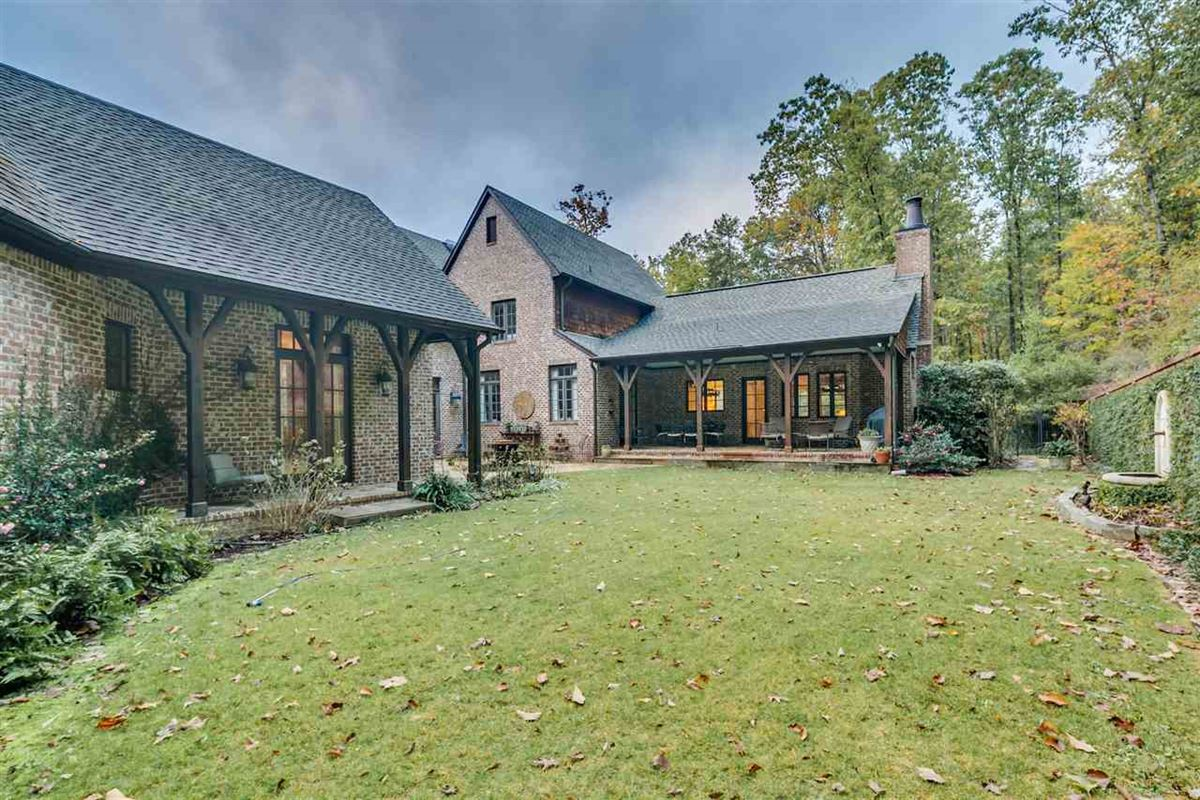 impressive home in BIRMINGHAM luxury homes