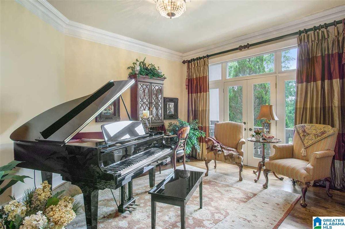 Autumn lakeside retreat  luxury homes