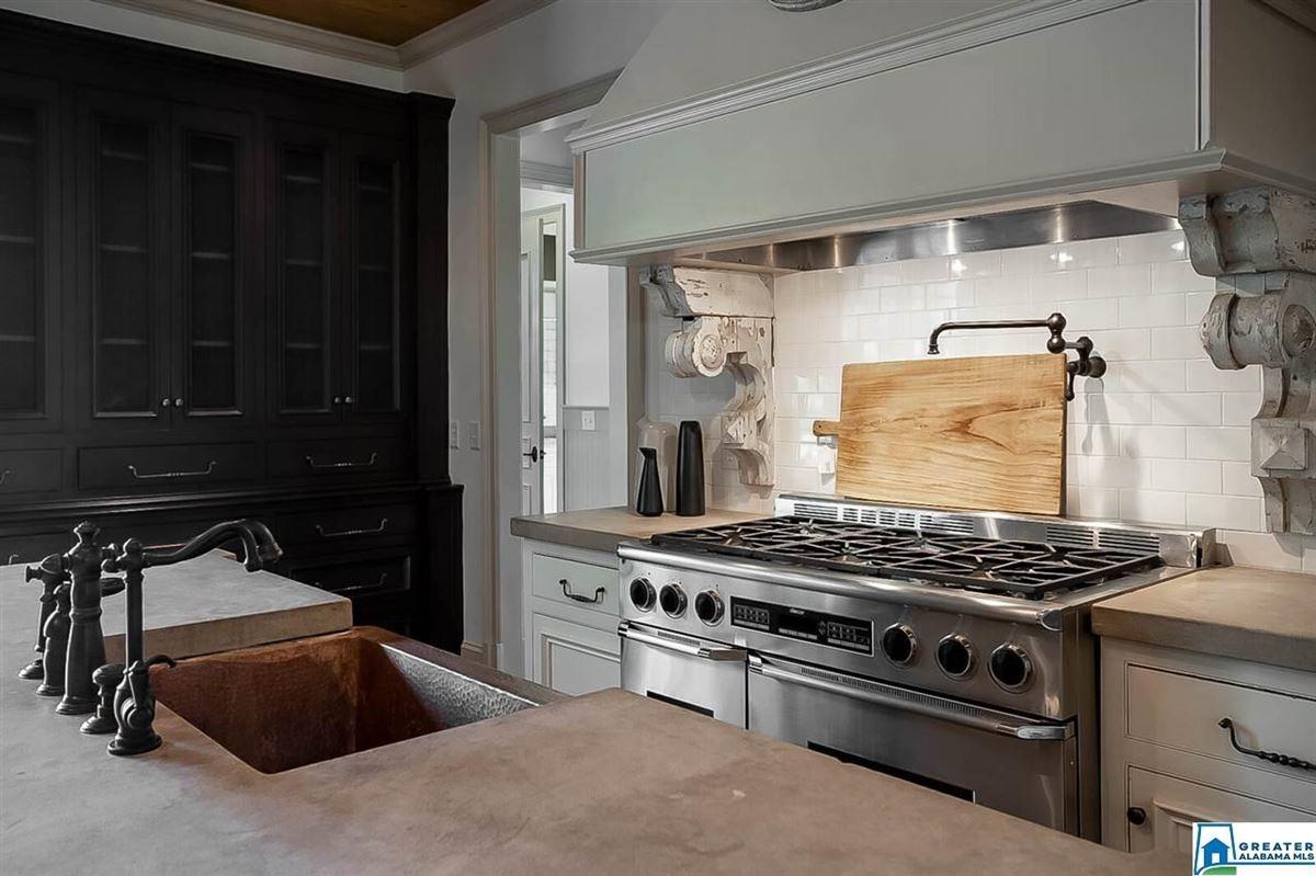 Luxury properties Beautiful stucco home