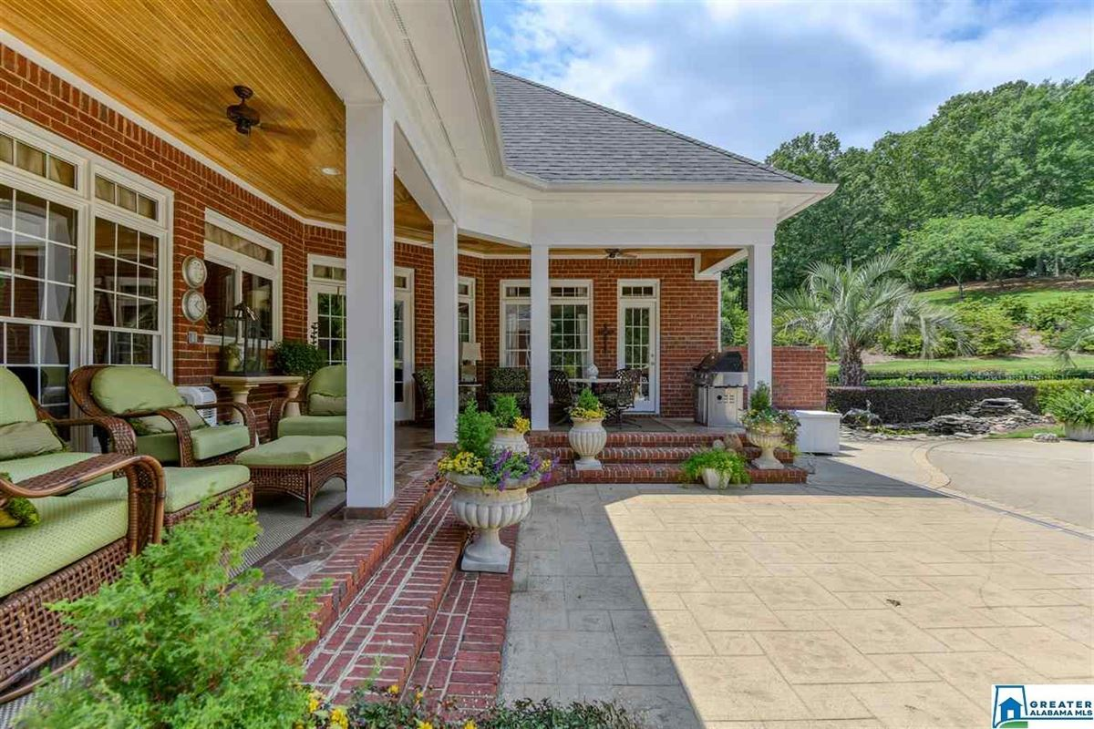 southern plantation style home  luxury real estate