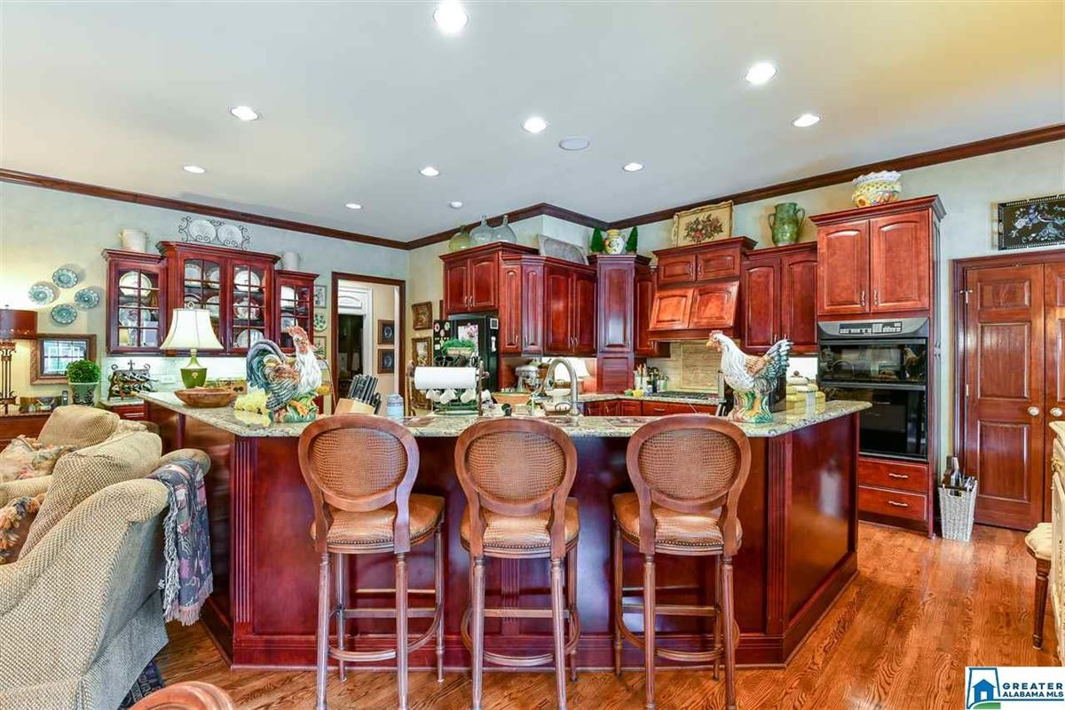 Luxury homes in southern plantation style home