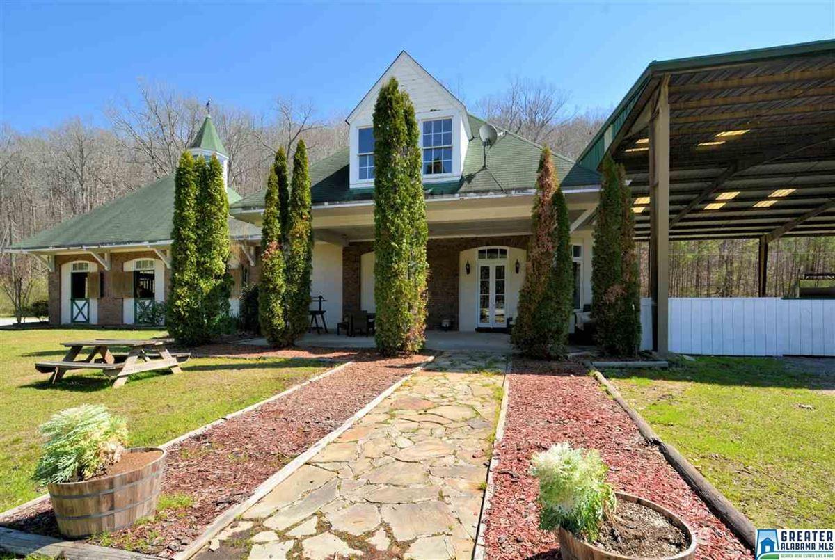 Fabulous 72 acre Equestrian farm mansions